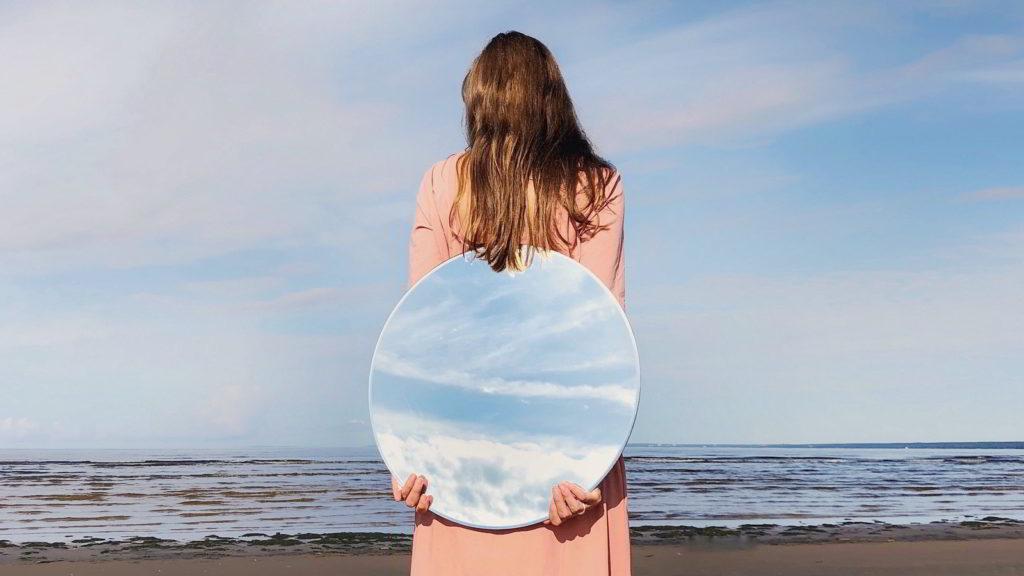La mode éthique, un nouvel art de vivre « conscient » - pexel-beach-horizon-leisure-1363642