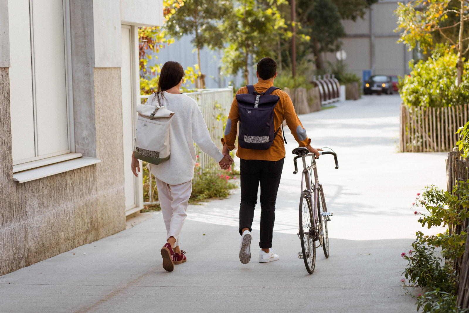 Ngo Shoes - Backpack - Blanc - Bleu - recyclé - Sneakers - femme - homme - Unisexe - Vegan - Bordeaux - Blanche - Vietnam - velo