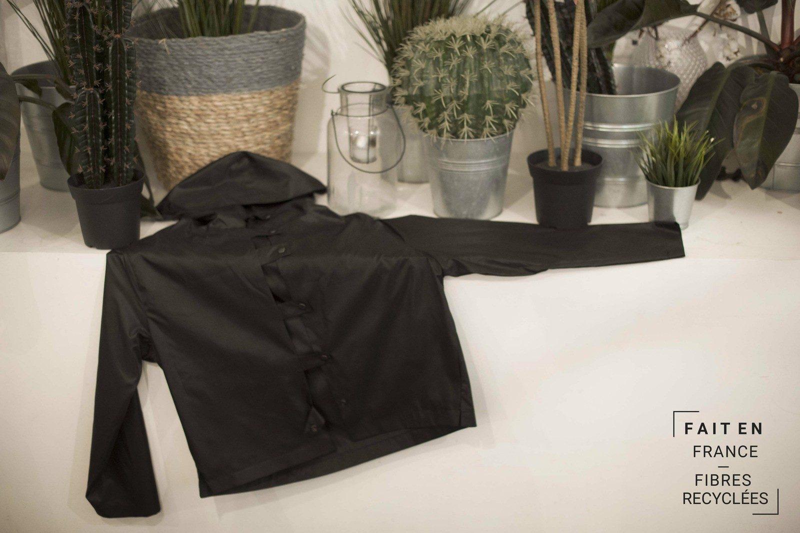 WYLDE - Les Essentiels - naturemorte veste noir impemeable2