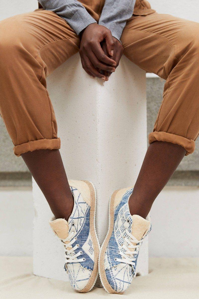 UMOJA - sneaker modele manjak etoiles de cap vert - close up - CHARLAINE CROGUENNEC
