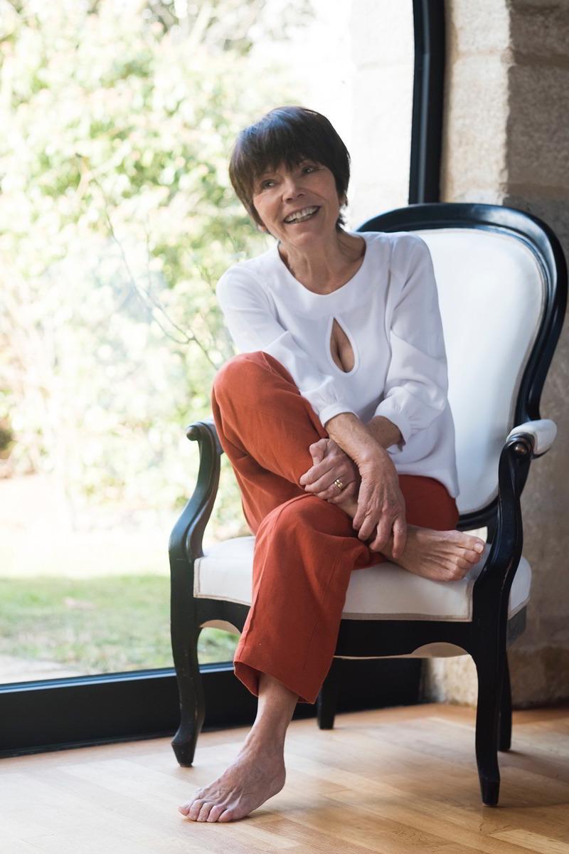 C.Bergamia - Pantalon large en lin orange porté par Françoise - Copyright Chouaib Arif