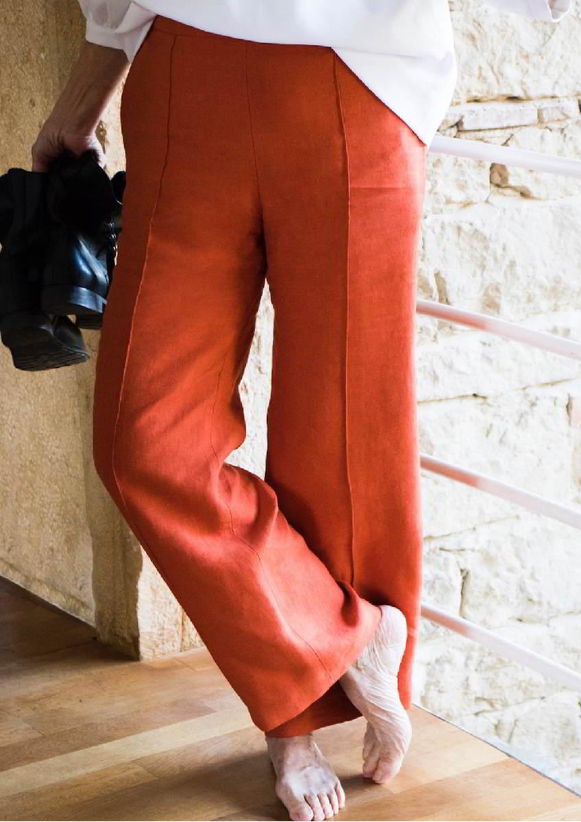 Sublime en lin orange porté par Françoise - Colette Coutris Chouaib Arif -