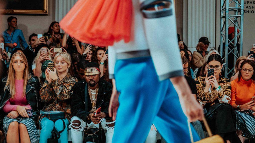 Mal etre humains aberrations ecologiques defis des Fashion Week