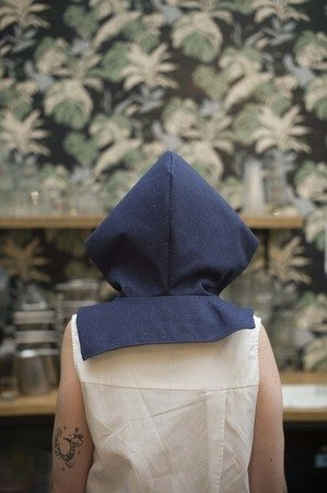 wylde - capuche denim impermeable ecoconcue - matiere recyclee - photographe 3