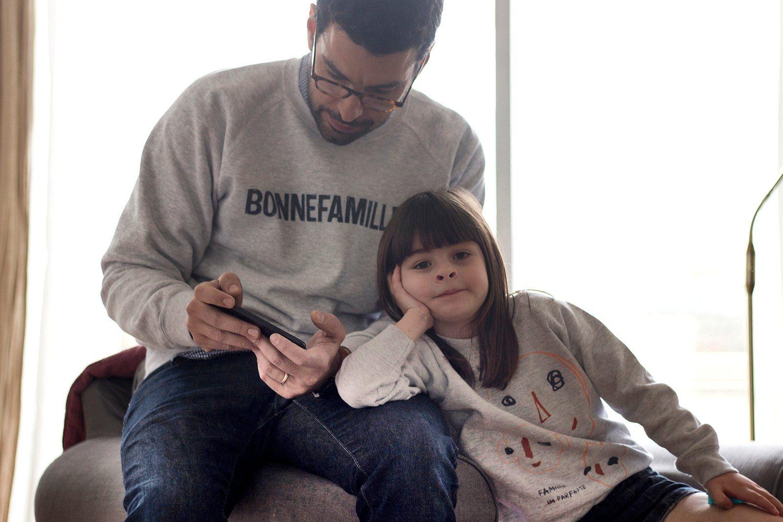 Bonnefamilles - sweat adulte enfant gris chiné coton biologique GOTS - modèles logo marque et têtes famille imparfaite - 18