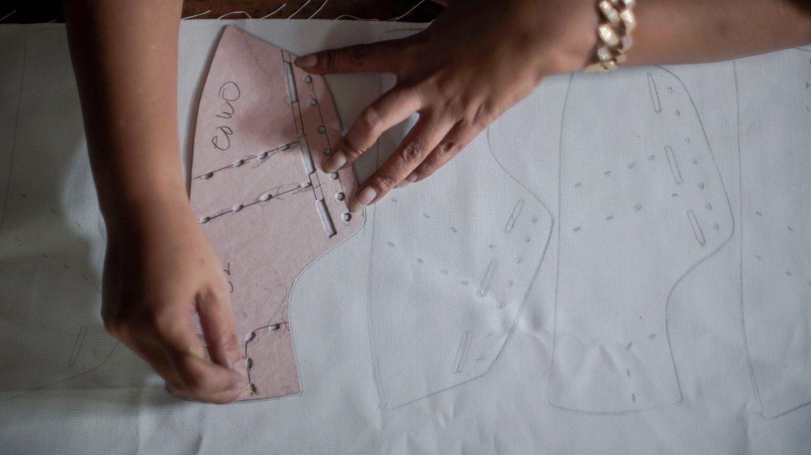 WiWi Shoes - Découpage du coton biologique certifie GOTS - Modele Loewy