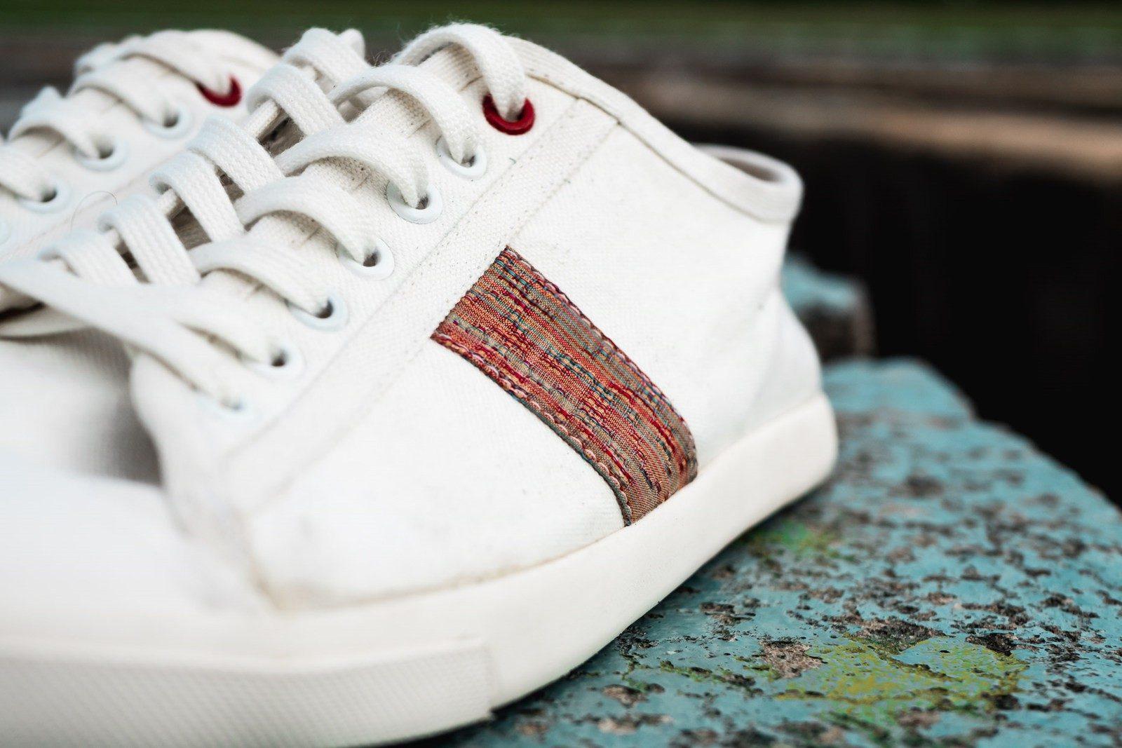 WiWi Shoes - Sneakers en coton biologique certifié GOTS et semelle en pneu recyclé - Modèle Loewy homme - Buenos Aires - détail 3_4 avant - pas portées