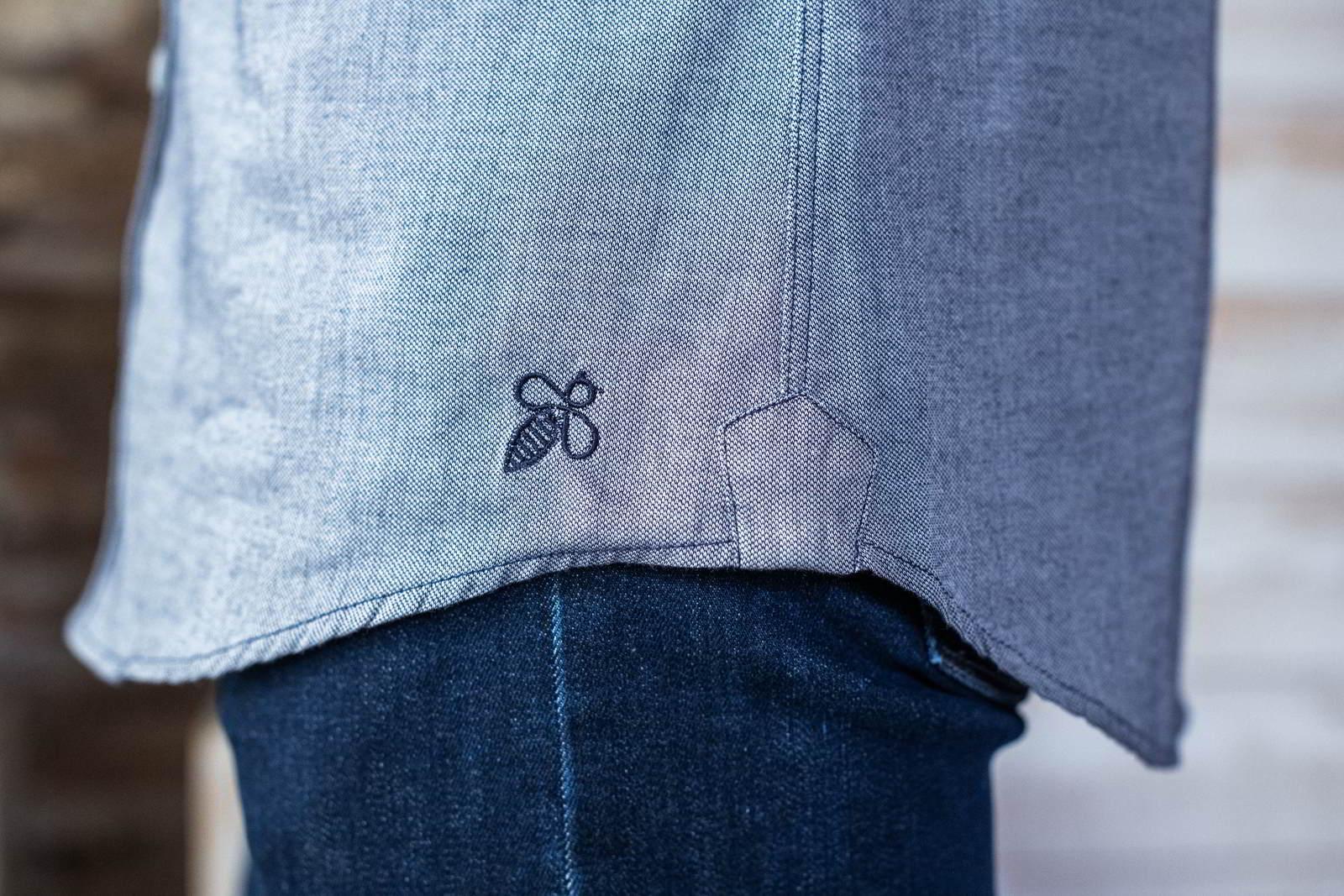Montlimart MONTLIBIO chemise col mao coton bio marine homme zoom abeille
