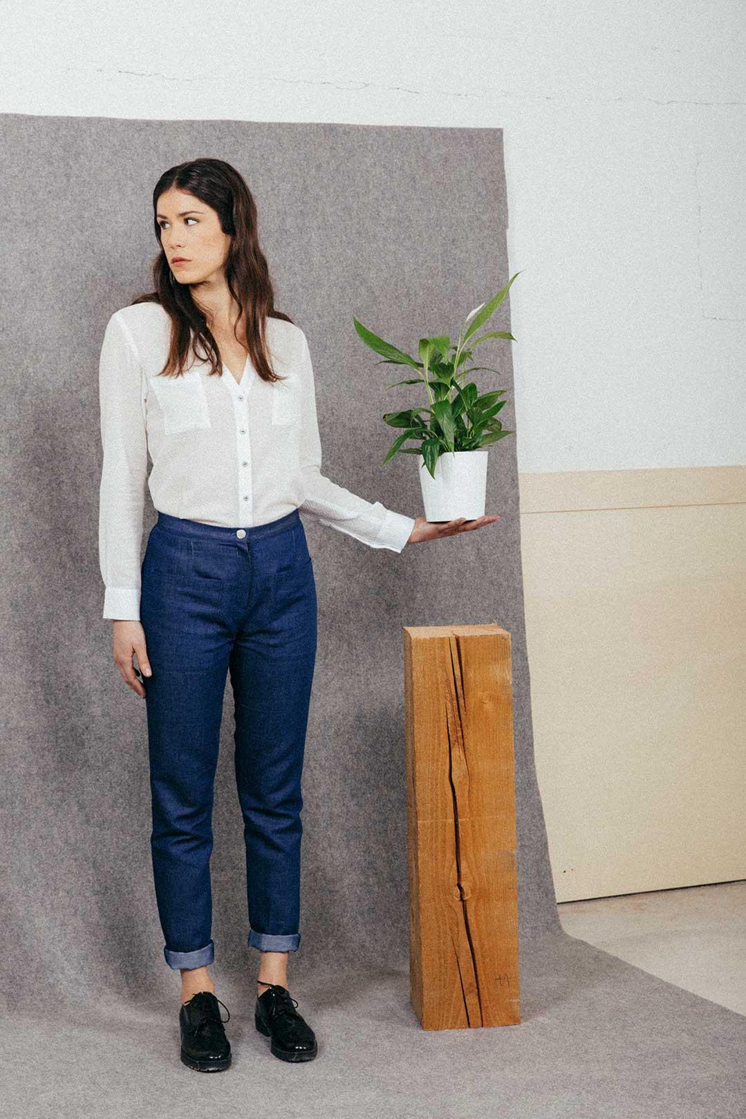 Atode chemisier blanc coton ecoresponsable femme porte sur mannequin femme