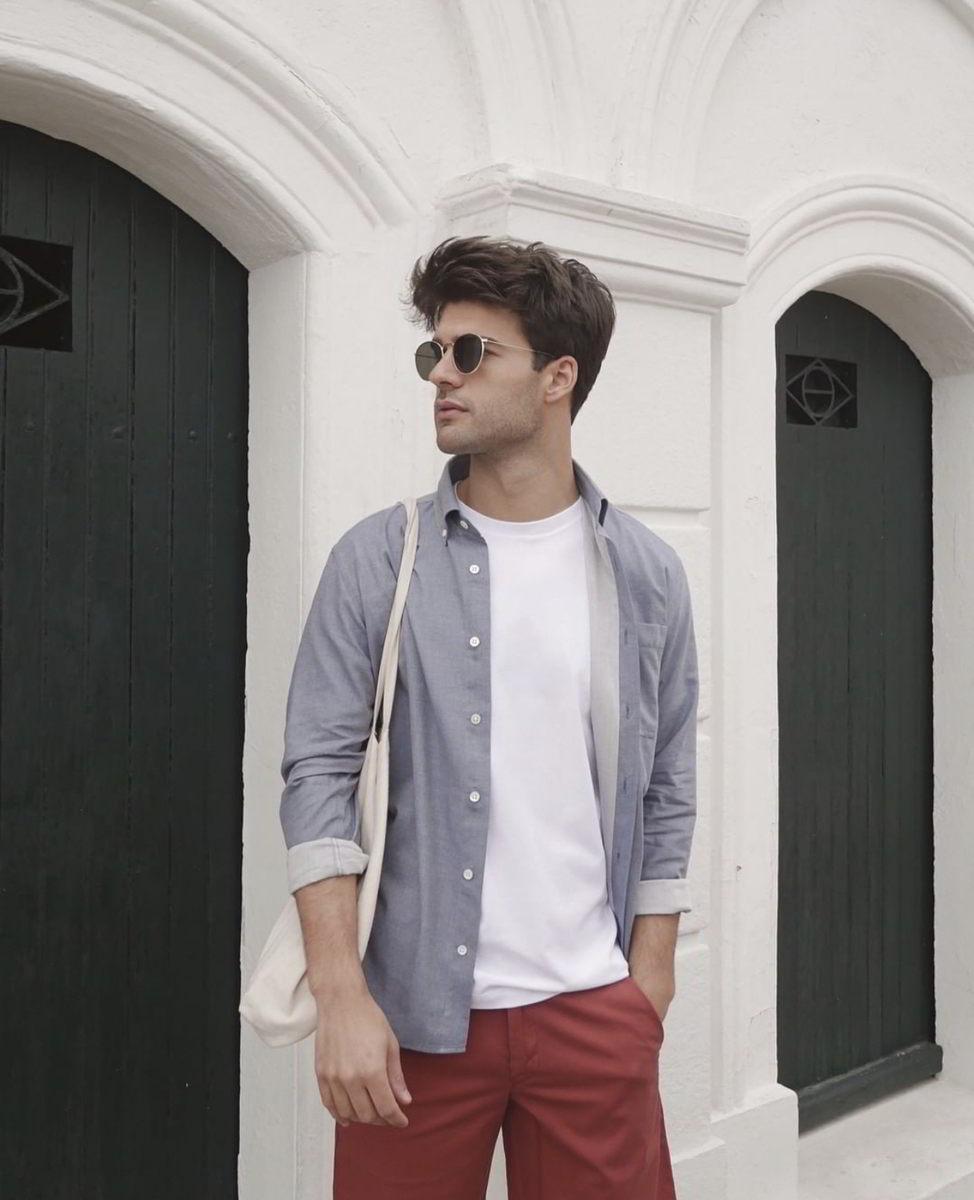 Lautrec chemise bleu en chambray éthique homme portée ouverte sur mannequin homme