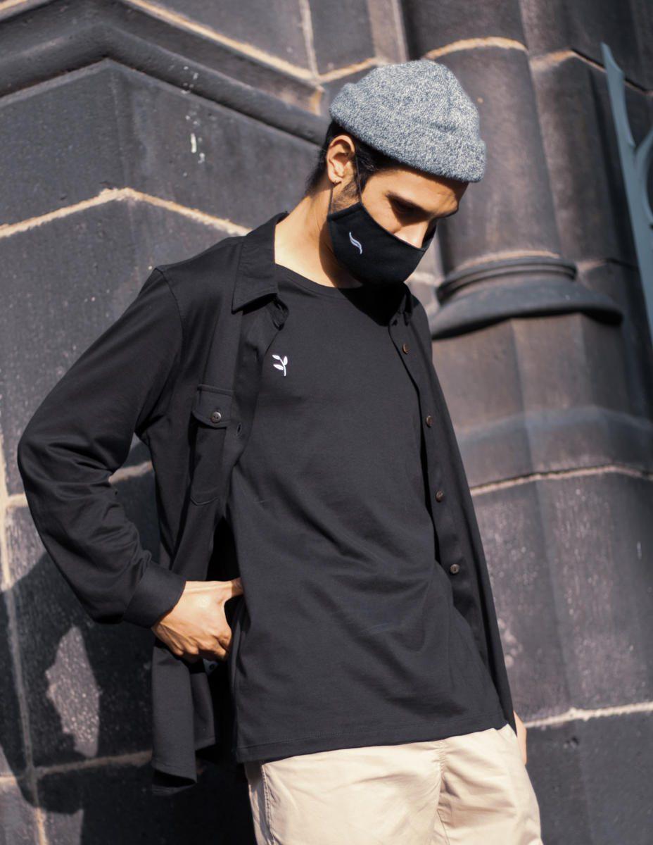 Palasaña - Tee-shirt uni coton pima bio GOTS manche longue unie unisexe (vue de côté avec masque) -