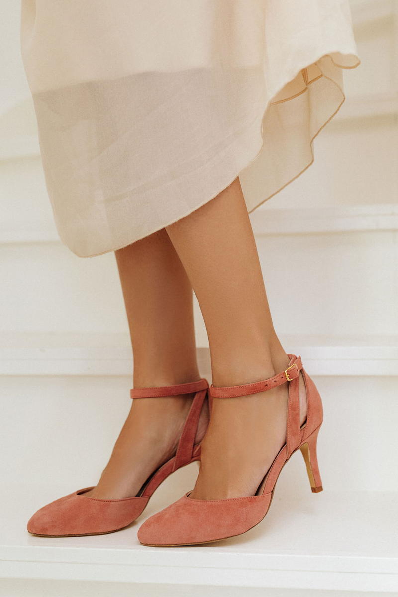 Unsibeaupas Constance velours bois de rose capsule mariage zoom chaussures portées robe blanche
