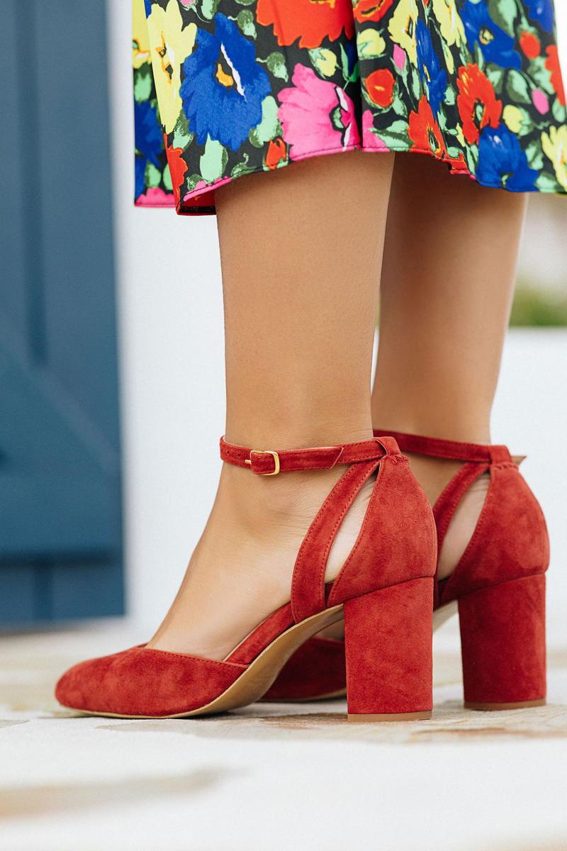 Unsibeaupas Constance Velours Passion Vue de l'arrière avec jupe à fleurs colorées
