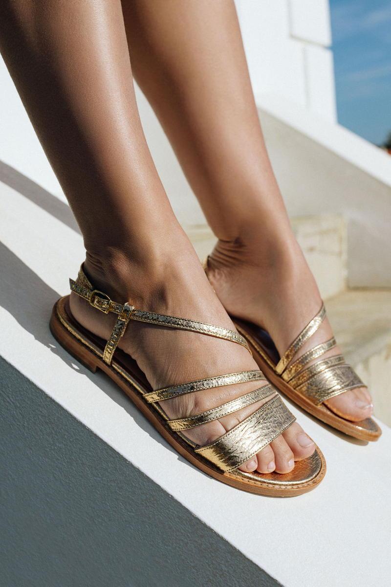 Unsibeaupas Sandales Elise Gold Zoom chaussures portées sur muret