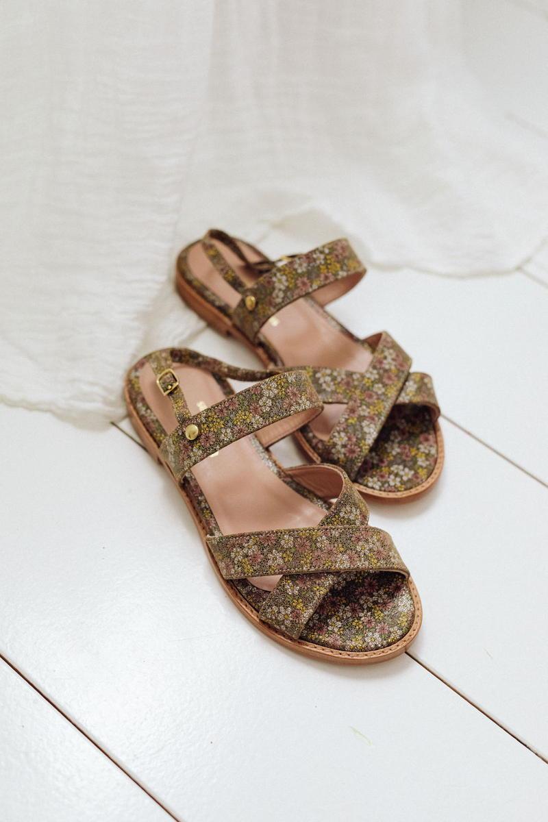 Unsibeaupas Sandales Valentine Fleurie Zoom chaussures au sol