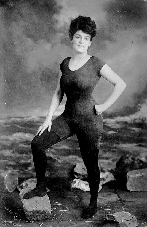 Annette Kellermann en tenue de bain vers 1900