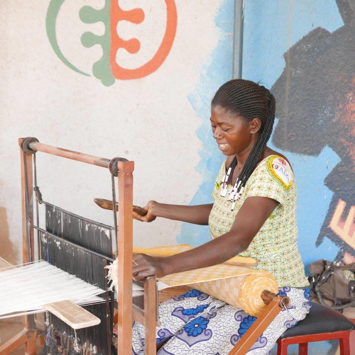 Voyage dans les coulisses de fabrication d'une basket Panafrica - Marie-Elévèe - formation tissage - Afrikatiss